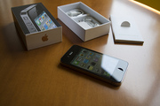 Apple iphone 4 Black (32GB) Unlocked with warranty $450